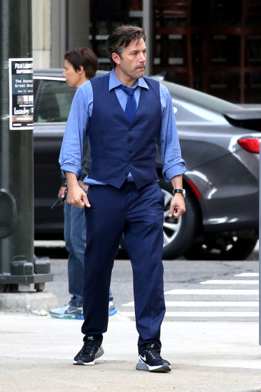 """*EXCLUSIVE* First look of Ben Affleck as Bruce Wayne on the set of """"Batman v Superman: Dawn of Justice"""" **NO WEB UNTIL 9AM PST 08/12/2014** *MUST CALL FOR PRICING*"""