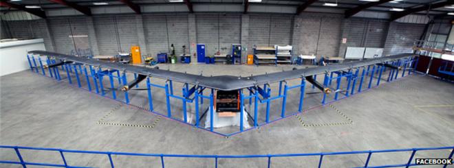 El drone fue construído por el equipo en Reino Unido de Facebook.