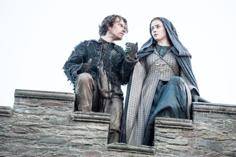 Game of Thrones Sansa and Theon jump culturageek.com.ar