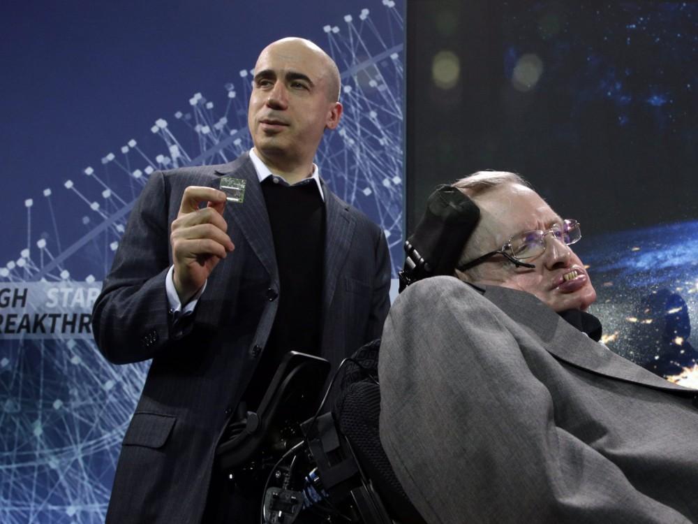 Stephen Hawking presentó Starshot, el nuevo proyecto de exploración espacial
