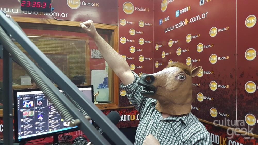 mascara de caballo Culturageek.com.ar