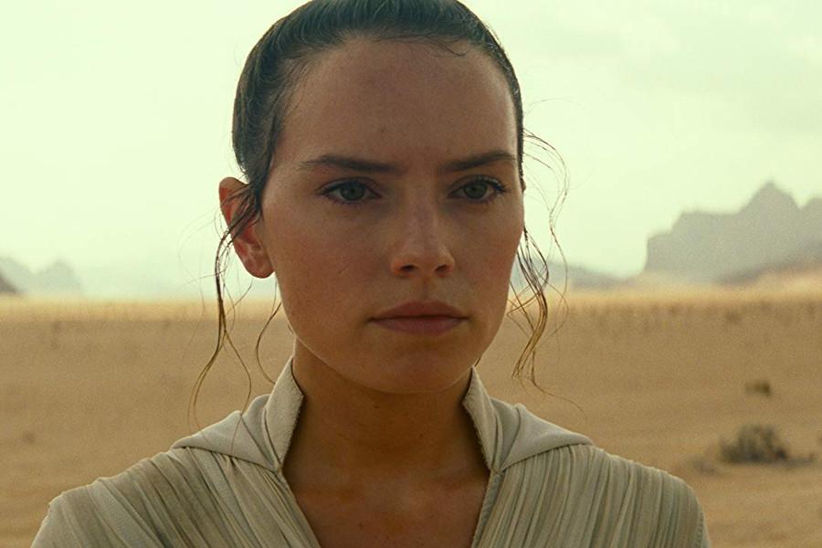 Esta imagen tiene un atributo alt vacío; el nombre del archivo es J.-J.-Abrams-Star-Wars-Rey-www.culturageek.com_.ar_.jpg