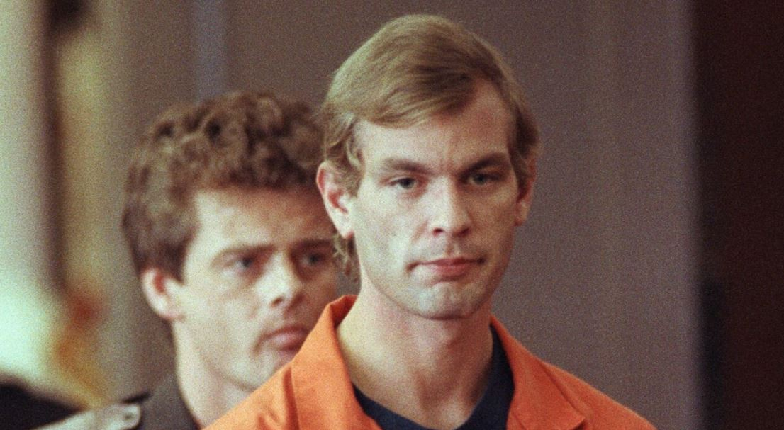 Monster-Jeffrey-Dahmer-Story-2
